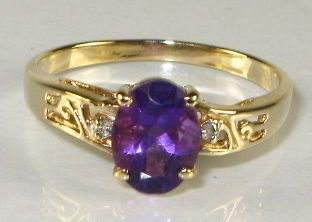 Stunning 1ct Natural Oval Cut Amethyst & Diamond 10k Yellow Gold Ring