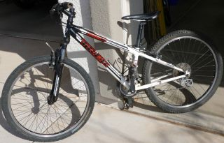 Trek 820 Mountain Bike 26 Wheels 13 Frame