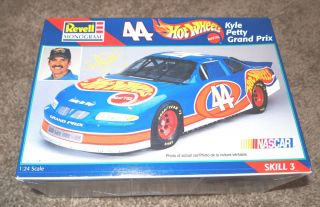 REVELL MONOGRAM 1 24 44 HOT WHEELS GRAND PRIX NASCAR MODEL KIT VINTAGE