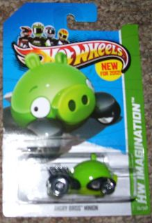 Hot Wheels Angry Birds Red Bird Minion Pig Vehicle Set 2012 35 50 47