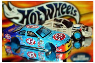 Hot Wheels Crews Choice John Andretti 43 STP Pontiac Grand Prix Cyber