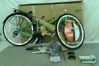 Schwinn Crest Urban Womens Hybrid Bike 700c Wheels 16 Frame