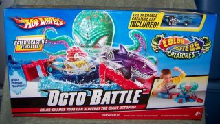 Hot Wheels Octo Battle Playset Color Changing Car