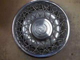 75 76 77 Cadillac Fleetwood Seville Hubcap Rim Wheel Cover Hub Cap 15