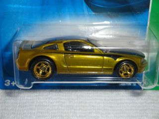 Hot Wheels 2006 T Hunt$ Ford Mustang GT w Real Riders