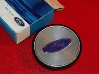 1988 89 90 91 Ford Crown Victoria Wire Wheel Cover Ornament RARE