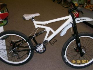 Custom Built DH Downhill Bike Halo Wheels XTR 9 Speed Full Suspension