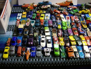 Huge Lot 150 Pieces Hot Wheels Matchbox Maisto Played with Lot