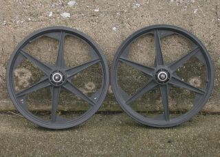 Old School BMX GT 6 Spoke Mag Wheels from 1988 Performer Black Used