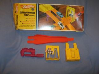 Hot Wheels Competition Pak Set Vintage 1968 Mattel with Box Nice