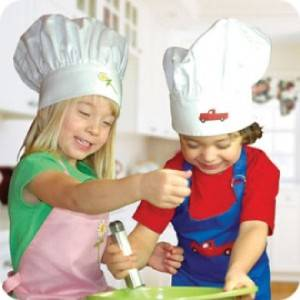 Kids Kitchen Apron and Chefs Hat Set Pink Daisy
