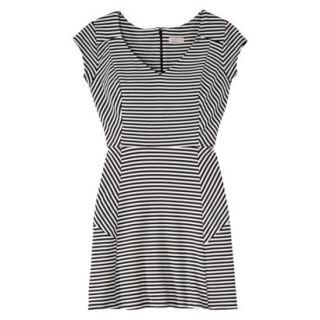 Merona Womens Textured Cap Sleeve Fit and Flare Dress   Black/Sour Cream   XXL