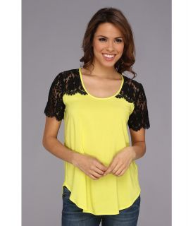 Karen Kane Lace Yoke Contrast Top Womens Short Sleeve Pullover (Yellow)