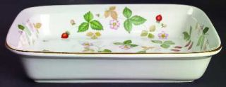 Wedgwood Wild Strawberry (Earthenware) 10 Inch Rectangular Baker, Fine China Din